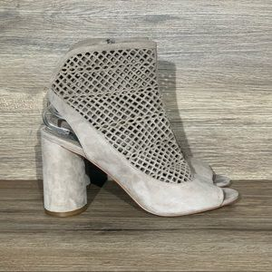 Vince Camuto Gerby Perforated Suede Bootie Sz- 10